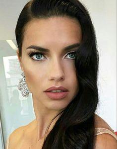 Hair Secrets, Beauty Secrets, Beauty Hacks, Adriana Lima Hair, Beauty Tips For Hair, Brazilian Models, Shiny Hair, Dandruff, Fair Skin