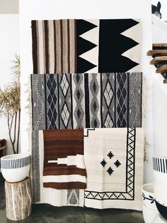 Pampa rugs with Pop&Scott stumpy and pot Decoration Inspiration, Interior Inspiration, My Living Room, Home And Living, Estilo Navajo, Pop And Scott, Interior And Exterior, Interior Design, Scandinavian Style