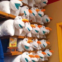 O que dizer dessa almofada do Olaf?