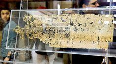 Expuestos los papiros de la construcción de la pirámide de Keops