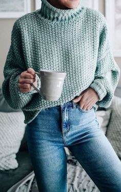 50 Gorgeous Winter Outfits You Need to Have 021 # Winter - Fashion ideas Mint Sweater, Chunky Knit Cardigan, Chunky Sweater Outfit, Loose Sweater, Chunky Sweaters, Women's Sweaters, Green Sweater, Chunky Knits, Pastel Sweaters