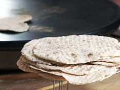 Enkelt och väldigt gott bröd som du gräddar i stekpannan.