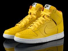 Oh my F'in Gosh!!  I must must have these!!  Yellow Nike Shoes