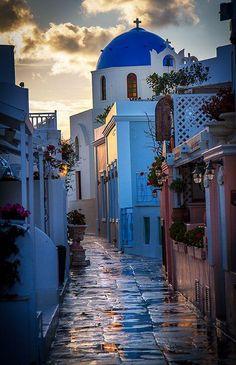 Día de lluvia en Santorini, Grecia.