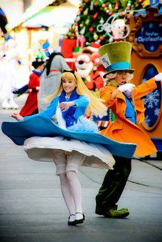 Alice and Mad Hatter   ~tsktsk Alice a little modesty please :p