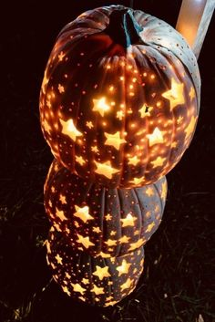 Halloween is just nice and frivolous. If you prefer a cute Halloween decoration, you have to look at it thoroughly. Halloween This Year, Holidays Halloween, Spooky Halloween, Halloween Pumpkins, Halloween Crafts, Happy Halloween, Halloween Party, Halloween Pumpkin Carvings, Pumpkin Carving Party
