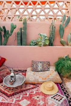 Patio Decorating Ideas On A Budget, Diy On A Budget, Porch Decorating, Patio Ideas, Budget Patio, Diy Patio, Diy Porch, Moroccan Design, Moroccan Style