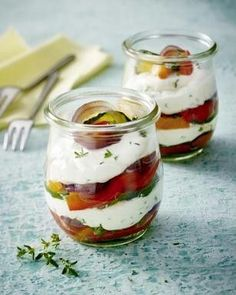 Grilled vegetables with glass of goat cheese Recipe LICK.- Grilled vegetables with goat cheese from a glass recipe - Party Finger Foods, Snacks Für Party, Food To Go, Food And Drink, Tapas, Grilling Recipes, Cooking Recipes, Law Carb, Goat Cheese Recipes