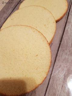 Blat pufos de vanilie — Alina's Cuisine Dessert Recipes, Desserts, Macarons, Cornbread, Banana Bread, Cheese, Baking, Simple Cakes, Sweet