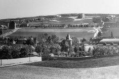 Heart Of Europe, Czech Republic, Historical Photos, Vintage Images, Paris Skyline, Black And White, City, Travel, Historia