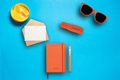 Invata sa fii organizat si vei deveni mai #eficient in activitatea ta de zi cu zi. #Agenda, #pixul cu stick #USB, #markerul si ochelarii de soare nu trebuie sa lipseasca din geanta . Cod produse: SAM8-10034505, SAM29-P300.858, SAM29-P773.428, SAM8-10699301 #samdamgifts #personalizare #sunglasses #getorganizedday #marketing #promotionalitems #promotionale