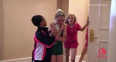 Dance Moms; Fight with Christi and the Moms (S02E21)