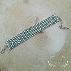 off loom beading techniques Bead Loom Bracelets, Beaded Bracelet Patterns, Jewelry Patterns, Beaded Jewelry, Bead Crochet Patterns, Beading Patterns, Beading Ideas, Handmade Accessories, Handmade Jewelry