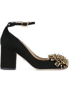 Sapato de couro com pompom