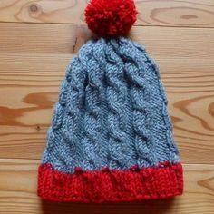 106 Mütze grau rot Bommel Glücksfrosch