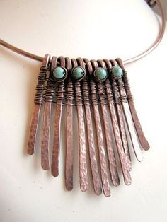 Learn how to impress metal jewelry and find beautiful gifts or rings or earrings to effectively sell. metal jewelry handmade jewelry making Copper Wire Jewelry, Wire Wrapped Jewelry, Pendant Jewelry, Wire Jewellery, Jewellery Shops, Jewelry Stores, Jewellery Storage, Hammered Copper, Copper Wire Crafts