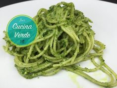 Wild garlic pesto - recipe from Joe's Cucina Verde Wild Garlic Pesto, Pesto Recipe, Quick Easy Meals, Spaghetti, Ethnic Recipes, Easy Recipes, Food, Vegetarische Rezepte, Green Pesto