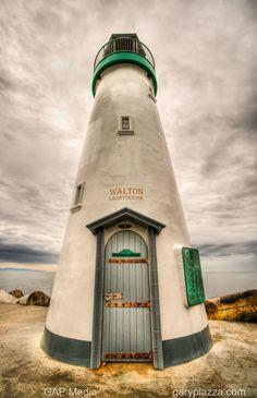 Walton Lighthouse - Santa Cruz by Gary Piazza, via 500px.