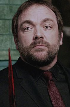 Crowley - he's been our bad guy for a long time, I don't want to lose him! Sherlock Holmes Benedict, Watson Sherlock, Sherlock John, Jim Moriarty, Sherlock Quotes, Benedict Cumberbatch, Crowley Supernatural, Supernatural Pictures, Winchester Boys