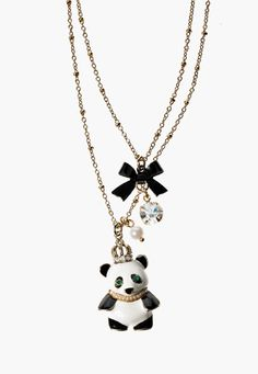 Aww look at this lil panda necklace by Betsey :)