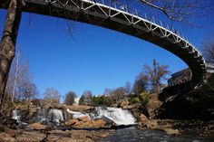 Why has Greenville, SC gotten so much buzz lately? Find out here! Feature via Cosmos Mariners. // yeahTHATgreenville