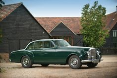 1962 Bentley S2 Continental Flying Spur.