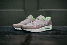 Subtle Exotic Details On The Nike Air Max 1