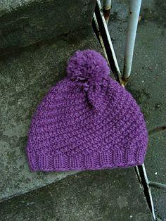 Helppo ohje Pihla-pipoon. Koot nuorelle ja naiselle. Ohjeen lopussa on kerrottu, kuinka pipon kokoa muutetaan. Koko: nainen/nuori La... Knitted Hats, Knit Crochet, Diy And Crafts, Winter Hats, Colours, Knitting, Pattern, Yarns, Fashion