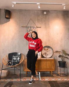 Casual Hijab Outfit, Ootd Hijab, Hijab Fashion Inspiration, Style Inspiration, Street Hijab Fashion, Hijab Tutorial, Hippie Outfits, Fashion 2020, Korean Fashion