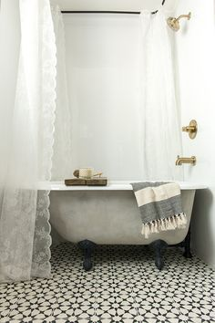 instead of opting for a pricier custom tub jenna sue purchased a basic white porcelain