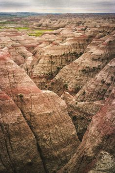 What the Badlands look like without heavy photo manipulation- shot with Kodak UltraMax 400, color film. Badlands National Park, South Dakota.  (OC)