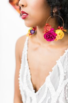 Are you considering a colourful but stylish wedding? – epanouir flower studio Are you considering a colourful but stylish wedding? Gold Hoop Earrings, Flower Earrings, Beaded Earrings, Earrings Handmade, Beaded Jewelry, Stud Earring, Angel Earrings, Handmade Jewelry Designs, Statement Earrings