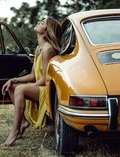 Porsche girl Porsche Sports Car, Porsche Models, Porsche Cars, Vintage Porsche, Vintage Cars, Sexy Cars, Hot Cars, Car Poses, Photography Poses