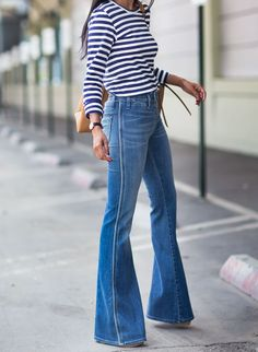 e8415c32636a1 Flared Denim High Waisted Jeans Flare, High Waisted Jeans Outfits, Flared  Jeans 70s,