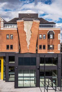 Alex Chinneck creates giant rip in the brick facade of a London building https://www.dezeen.com/2017/07/31/alex-chinneck-designs-giant-rip-in-brick-facade-london-building-installation/?utm_content=buffereb56e&utm_medium=social&utm_source=pinterest.com&utm_campaign=buffer