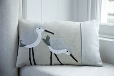 Handmade Dunlin wading bird cushion with gray wool woven in Wales - Fabric Crafts Trend Applique Cushions, Sewing Pillows, Wool Applique, Diy Pillows, Diy Pillow Covers, Cushion Covers, Cushion Pads, Cushion Pillow, Free Motion Embroidery