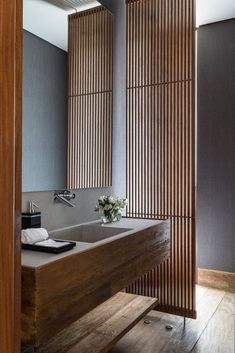 Modern Style Japanese Interior Design can find Japanese interior design and more on our website. Japanese Style Bathroom, Japanese Style House, Japanese Home Design, Japanese Shower, Japanese Wall, Modern Japanese Interior, Modern Interior Design, Zen Interiors, Japan Interior