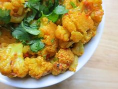 masala cauliflower coated with indian spices Paleo Cauliflower Recipes, Vegan Keto Recipes, Healthy Recipes, Meatless Recipes, Healthy Foods, Paleo Side Dishes, Vegetable Dishes, Side Dish Recipes, Indian Food Recipes