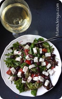 Греческий салат  http://mamajenya.com/forums/topic/kushat-podano/