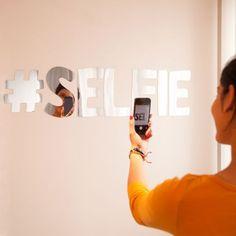 Miroir Selfie : Achat Cadeau Déco Geek sur Rapid-Cadeau.com
