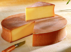 Alpine Saturday Presented by ACS CCP® Pat Polowsky: This week on Alpine Saturday: Abondance AOC. This French cheese is similar to Beaufort in flavor and appearance. It hails from the Haute-Savoie r… Kinds Of Cheese, Meat And Cheese, Cheese Bread, Wine Cheese, Fromage Aop, Fromage Cheese, Queso Cheese, Grapes And Cheese, French Cheese