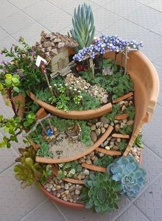Stunning Fairy Garden Miniatures Project Ideas 59