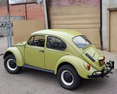Well Built Class 11 Baja Style 1967 Volkswagen Beetle - This 1967 Volkswagen Beetle (chassis 63915012603) is said to have been thoroughly restored to an excellent standard, and is further claimed to run, shift and drive very well. Powered by a rebuilt dual carb 1641, a bit under 3k miles have been added since completion, and the Class 11 style full-fender Baja build looks very well-executed.