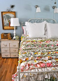 Gorgeous Anthropologie style ruffled duvet!
