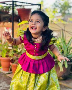 Cute Baby Dresses, Kids Party Wear Dresses, Kids Dress Wear, Kids Gown, Dresses Kids Girl, Baby Girl Dress Design, Girls Frock Design, Kids Frocks Design, Baby Frocks Designs