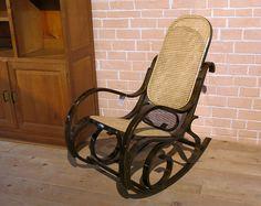Rocking chair canné        Z&P, une boutique conviviale: 600m² d'exposition, dépôt-vente, brocante, atelier.