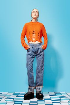 orange and denim Work Fashion, Fashion Looks, Fashion Design, Pameo Pose, Poses, Grunge Girl, Knit Picks, Costume Design, Techno