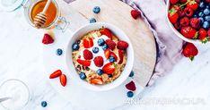 Pożywna i pięknie pachnąca owocami. Owsianka, z którą zdrowo rozpoczniesz dzień! Panna Cotta, Oatmeal, Favorite Recipes, Breakfast, Ethnic Recipes, Food, The Oatmeal, Morning Coffee, Dulce De Leche