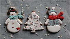Last year there were some grumbles, (no names mentioned, ahem.) about the lack of red in the Christmas cookie palette. Angel Cookies, Snowman Cookies, Christmas Tree Cookies, Tea Cookies, Christmas Tea, Holiday Cookies, Christmas Angels, Xmas, Schneemann Cookies