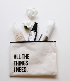 Flatlay Styling, Flatlay Makeup, Skin Care Spa, Printed Bags, Diy Clothes, Cosmetic Bag, Sewing Projects, Product Photography, Photography Ideas